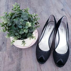GUESS | Ladies 9.5 Black Heels